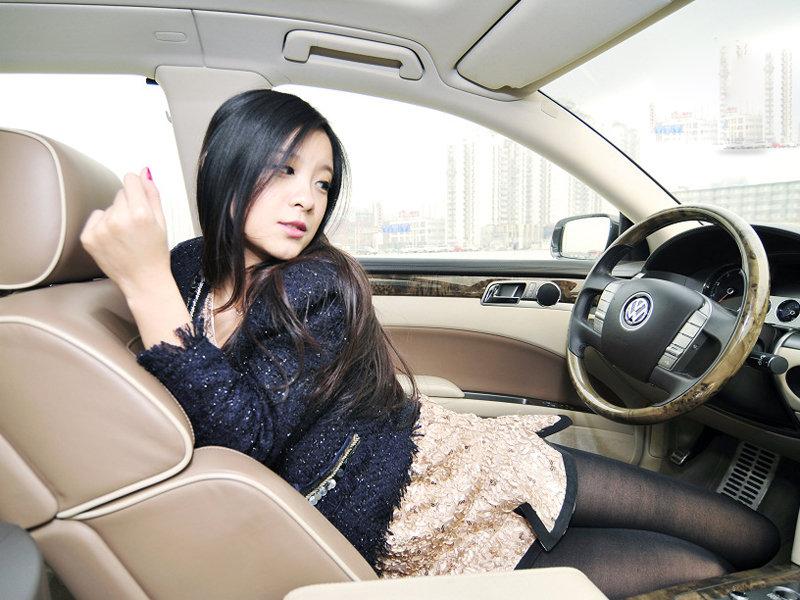 低调奢华演绎知性诱惑 都市白领气质美女 中国