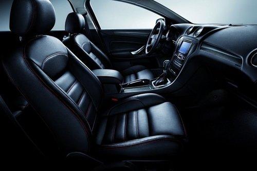 福特蒙迪欧-致胜2.0T酷白限量版SVP车型