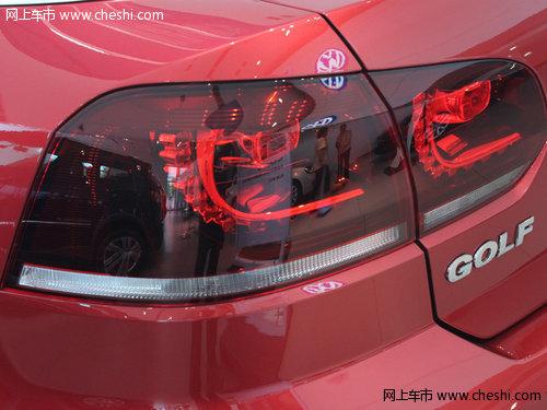 性感 运动/暗红色的灯罩暗示着其出色的动力性能,而夜幕下梦幻般的L型光晕...