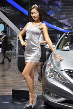 南京国际车展模特_千娇百媚 靓丽车模助阵南京国际车展