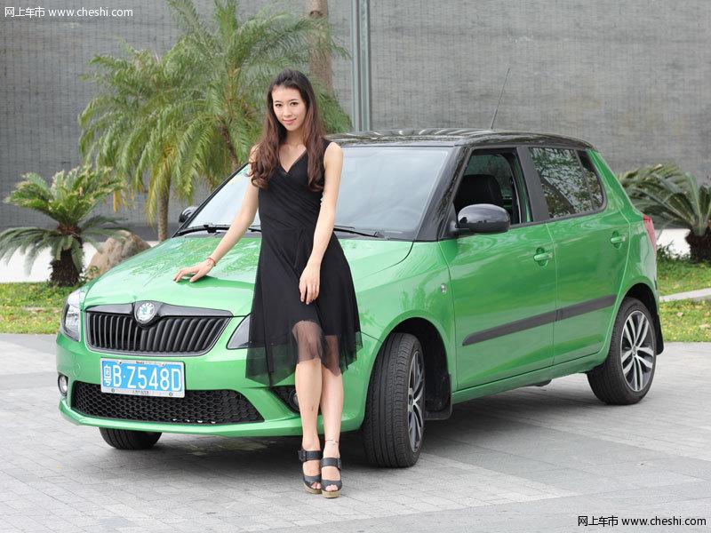 上海大众斯柯达晶锐 香车美女畅游都市高清图片