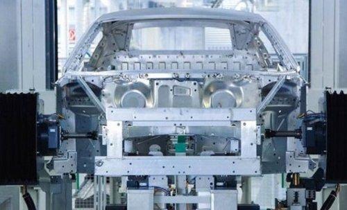 全新一代奥迪a6l配备了能量回收系统,其在车辆滑行时增大发电机负荷