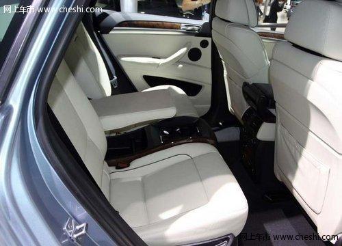 椅、倒车影像带俯视图功能、无钥匙进入、车内后视镜带罗盘、4区空