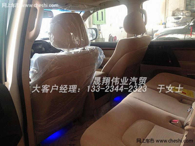 丰田酷路泽4000白绿 电动绞盘/倒车影像