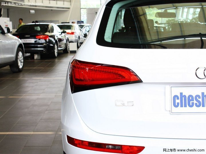 很多小汽车的后面都会贴着一个壁虎的标志,这个标志是啥意思 新车买高清图片