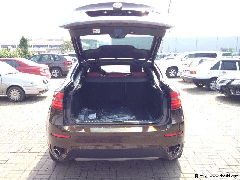 宝马X6美规版搭载3.0排量双增压柴油发动机、3.0排量双增压汽油发