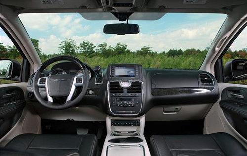 2012年,全新进口克莱斯勒大捷龙来到中国豪华商务mpv车型高清图片