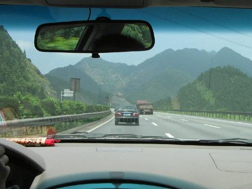 汽车应用小常识 拉高速不等于-高速开车
