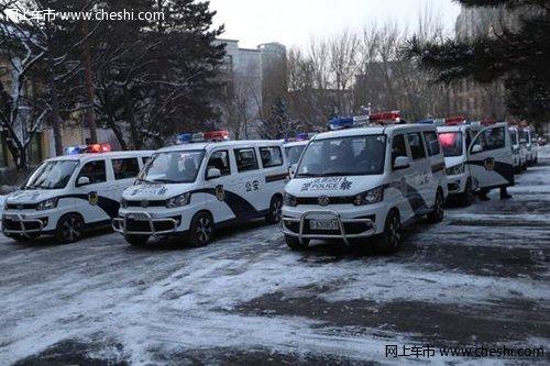 夜巡车队新标兵 佳宝V80服役长春市警队