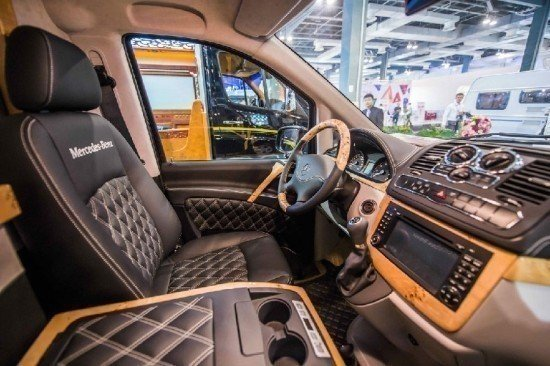 新款奔驰房车改装配置及图片降价现车售