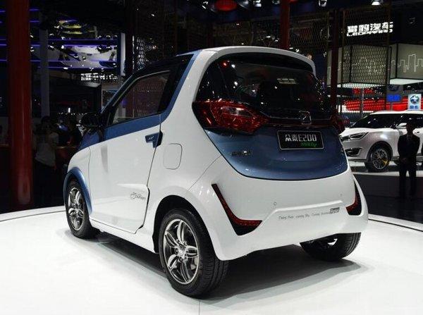 北京车展上市:众泰E200售价18.18万元-图2