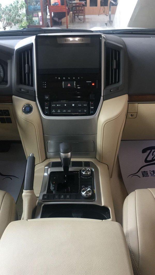 17款丰田酷路泽4000 V6丰田越野风靡全球-图6