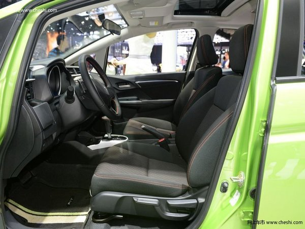 喜欢驾驶的请看过来 广州车展必看十大运动车型-图6