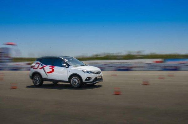 东南DX3 SRG称霸中国量产车性能大赛-图3