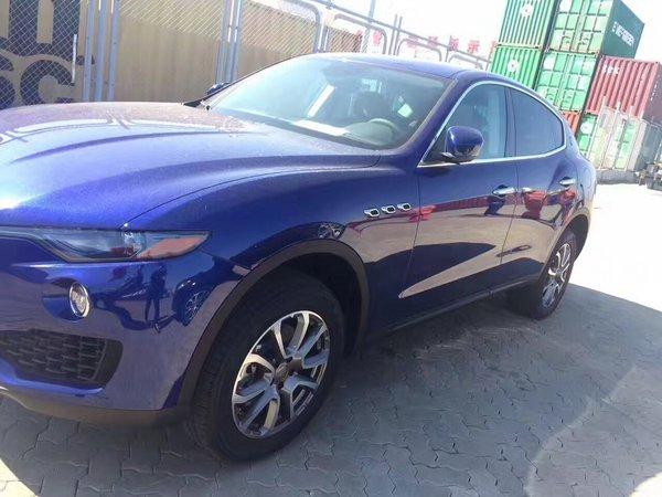 17款玛莎拉蒂Levante 加版宝石蓝魅力SUV-图3