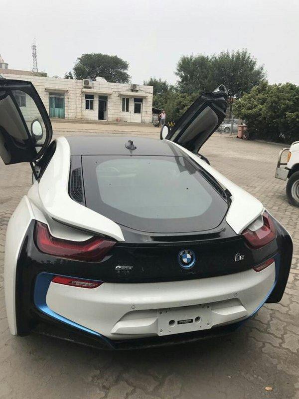 2017款宝马I8双刀门超跑 展现科技新力量-图7
