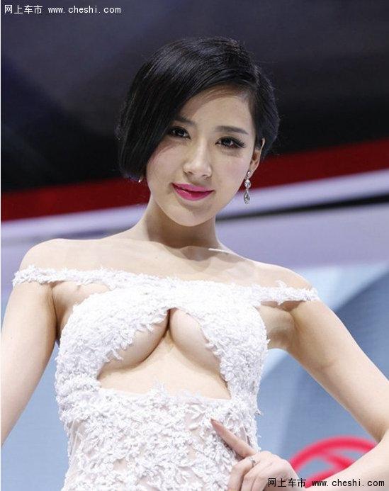 2014 北京车展 美女车模看花眼 韩盼盼 蓝瑟