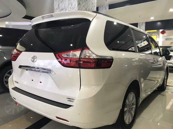 2017款丰田塞纳四驱 顶配商务车底价酬宾-图3