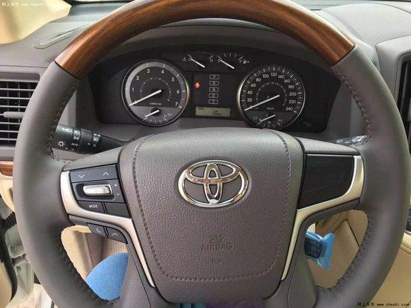 16款高丰田酷路泽配4600 天窗八气囊价格-图5