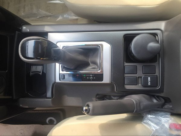 中东版丰田霸道2700 称霸越野界36万起售-图5