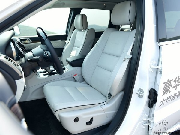 一场高品质的自驾游 70万能买的长途舒适的SUV-图8