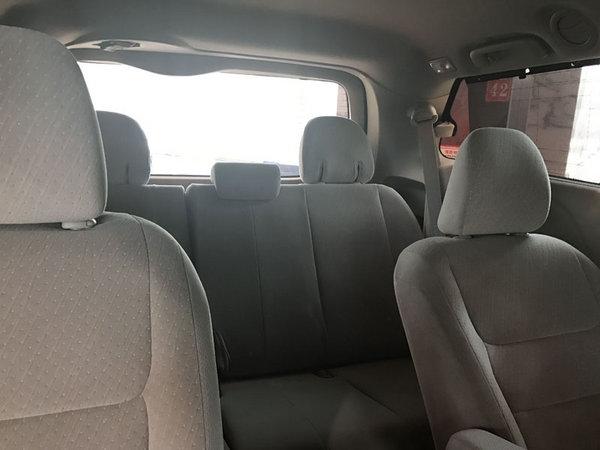 17款丰田塞纳顶配现车 舒适商务价格低-图9