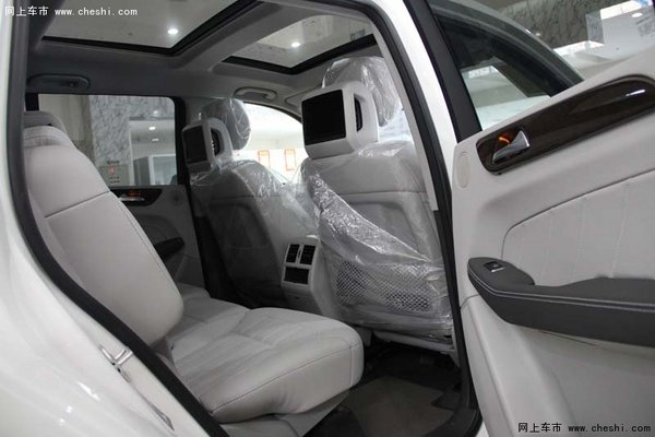 16款奔驰GL350   豪华越野车的霸主地位-图8