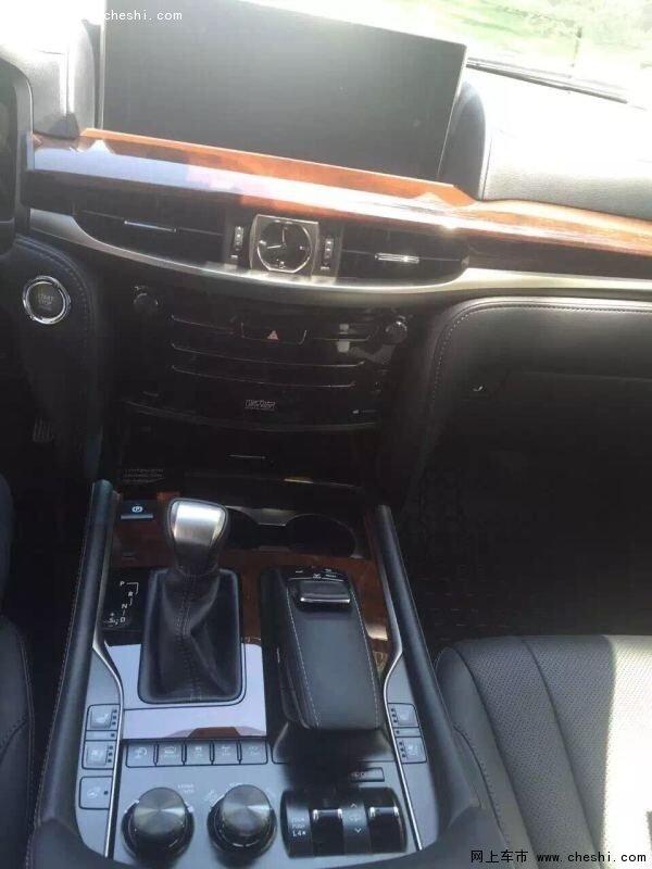 16款雷克萨斯LX570现车 中东版 加拿大版高清图片