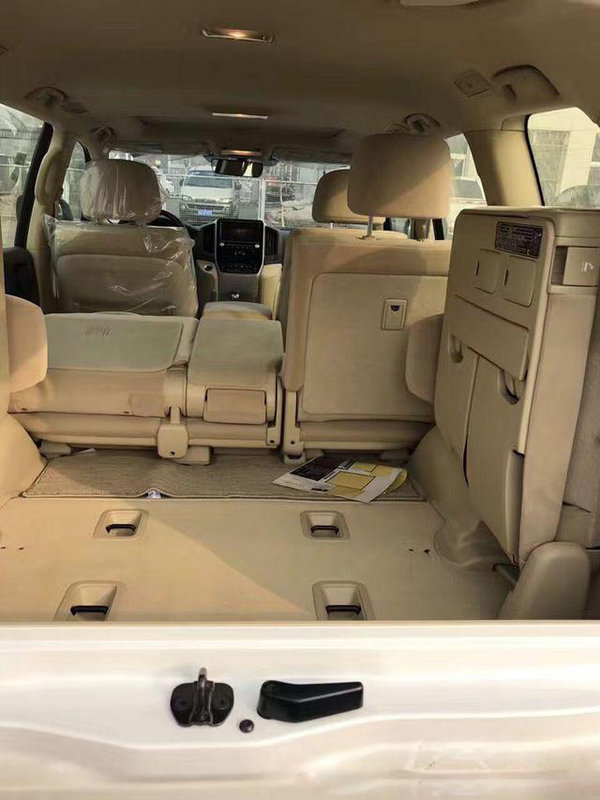 2017款丰田酷路泽4000 最强SUV五月价格高清图片