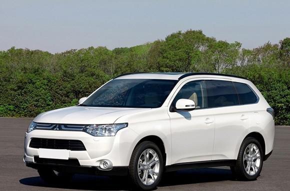 体设计上遵循着三菱汽车一贯的节能环保理念,空气动力学车身设计高清图片