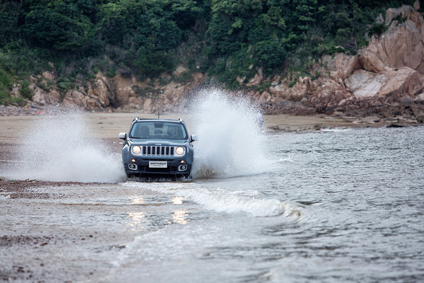 专业级SUV全新Jeep自由俠福州地区上市-图8