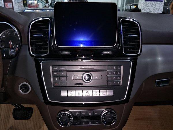 17款奔驰GLE400 舒适辣眼越野个性大比拼-图5