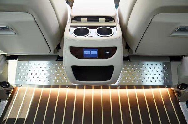 17款升级版奔驰Metris 进口商务配置详解-图10