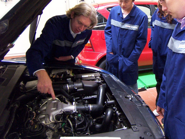 汽车常见零部件 损坏时的应急维修技术_维修保养-网上车市