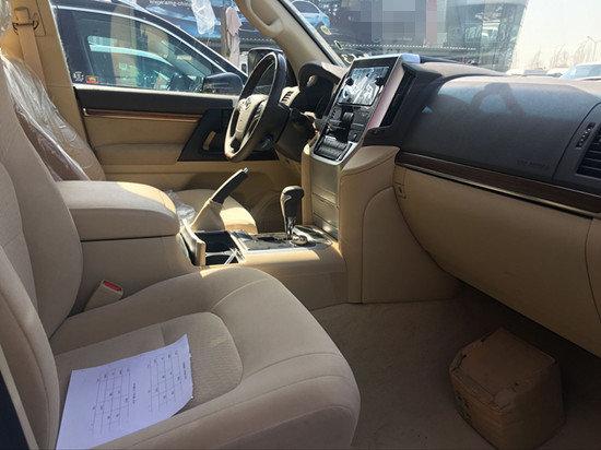 17款中东版兰德酷路泽4000  现车在售-图5