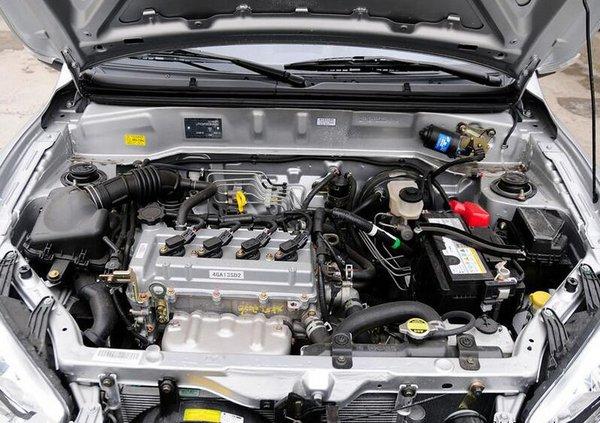 动力方面:夏利N7搭载1.3L CA4GA1高性能发动机,动力强劲。该发动机拥有VCT-i智能可变正时、曲轴偏置8mm等国际尖端技术,具有高功率、大扭矩、低油耗特性;已经应用于天津一汽的多款车型,其优良品质和卓越性能已到了广大用户的验证和高度认可。 编辑点评:夏利N7上市以来受到个性时尚的年轻消费群体的青睐,而此次自动挡系列车型的上市,凭借舒适性、经济性的产品特性,也将成为城市上班族尤其是女性用户日常出行的上佳选择。 商家名称:江西宇豪汽车销售有限公司 店面地址:江西省南昌市庐山南大道2166号昌北国际