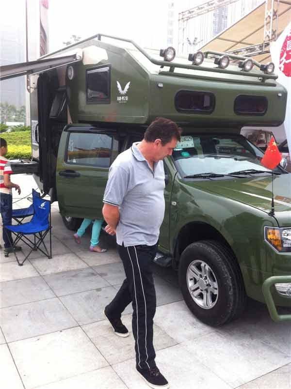 龙行天下海格梦之旅房车 受外国友人关注