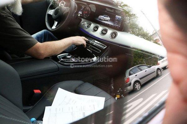 新奔驰E级Coupe内饰照 独特出风口设计-图1