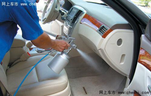 汽车内饰保养 死角 要注意高清图片