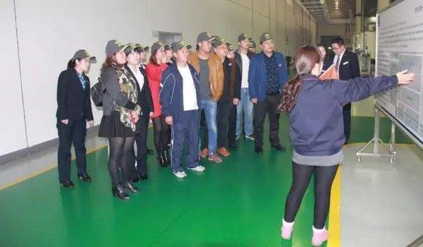 品质卫士代表参观海马汽车工厂