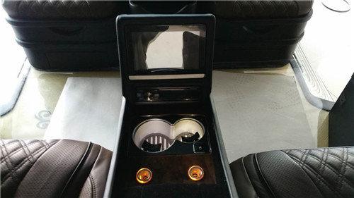 奔驰V260商务车配置报价图片预订从速-图2