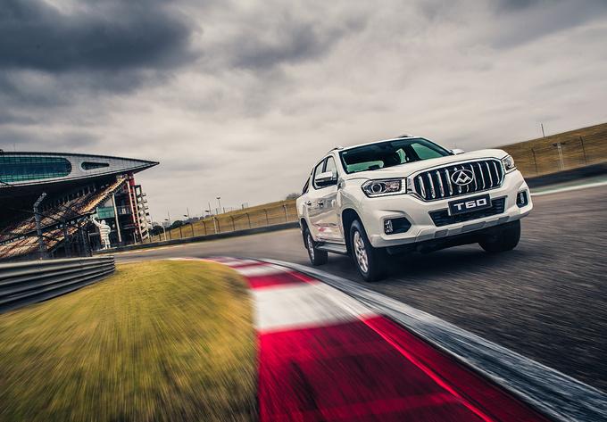 价格最低的柴油自动挡皮卡国六标准+宽体车身-图1