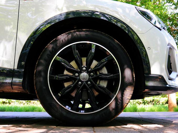 全新奥迪Q3轿跑SUV-图10