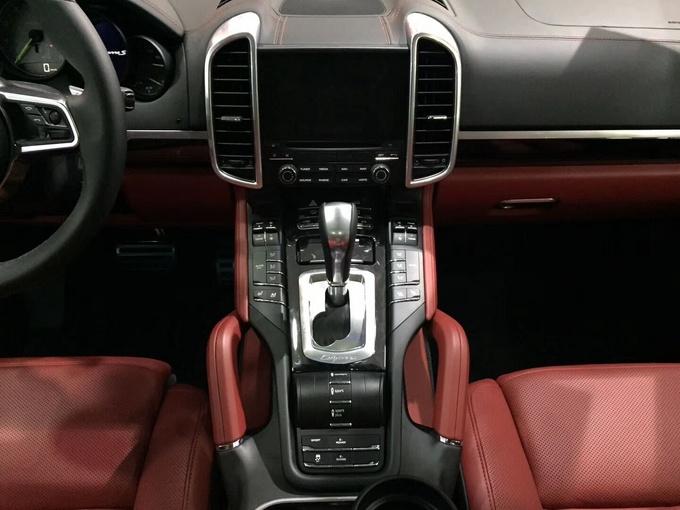 18款保时捷卡宴3.0T 油电混合铂金版SUV-图5