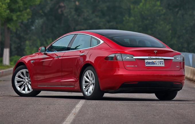 再次降价特斯拉Model S降价2.8万 73.39万起售-图5