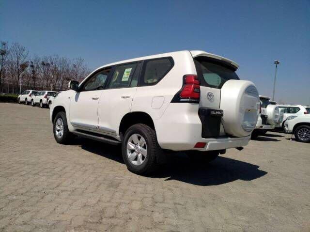 2018款丰田霸道2700流畅优雅的外形现车售全国_汽车