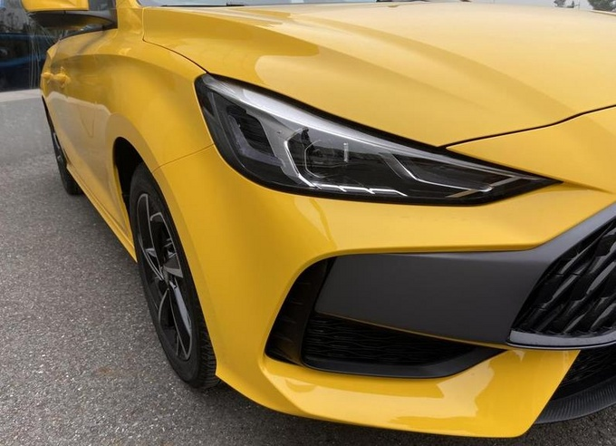 全新名爵5降至6.49万起售 广州车展推特别版车型-图4
