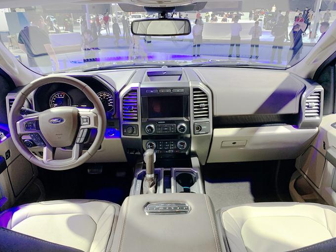 成都车展福特F-150 LTD上市售价57.28万元-图3