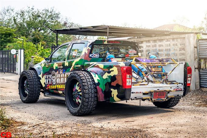 皮卡不拉货而是这样玩泰国爆改五十铃D-MAX-图2