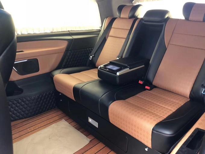 18款奔驰V250大咖座驾 成功商务人士专属-图8